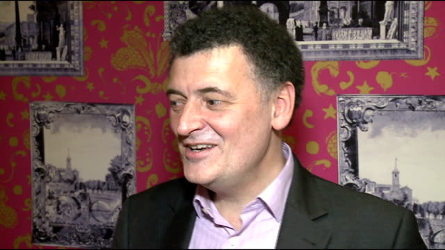 Interviews Steven Moffat interview SOT Talks about the new series of Dr Who / talks of JennaLouise Coleman / Dr Who not similar to James Bond / talks...