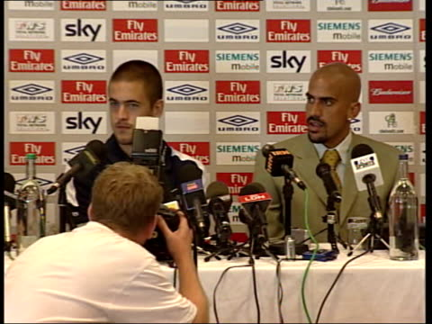 new signings joe cole juan sebastian veron sky london stamford bridge joe cole juan sebastian veron sitting in press conference pull out - chelsea f.c stock videos & royalty-free footage