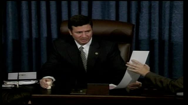 new terror legislation; usa: washington: us senate: int senator patrick leahy speaking to senate sot - i think it is a farce, a farce senate speaker... - リーハイ点の映像素材/bロール