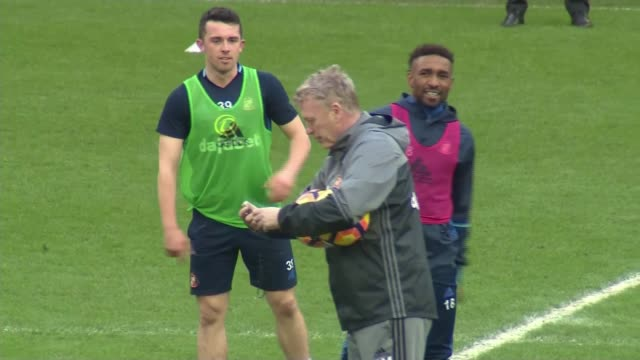 New West Ham manager David Moyes gives first press conference LIB / TX Sunderland Stadium of Light David Moyes and Sunderland players on pitch during...