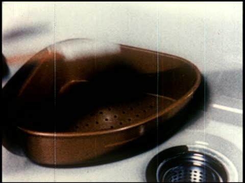 new world through chemistry - 4 of 17 - andere clips dieser aufnahmen anzeigen 2231 stock-videos und b-roll-filmmaterial