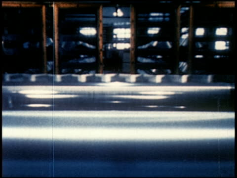 new world through chemistry - 8 of 17 - andere clips dieser aufnahmen anzeigen 2231 stock-videos und b-roll-filmmaterial