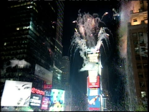 new year's eve in times square; confetti and fireworks - 1999 stock videos & royalty-free footage