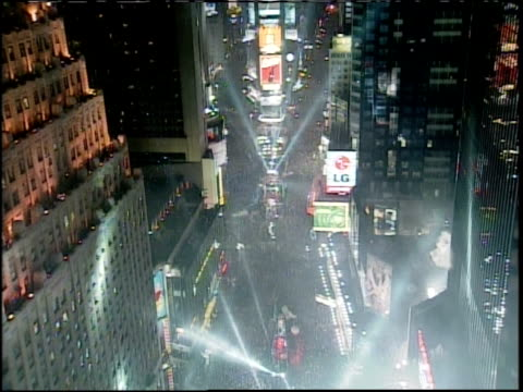 new year's eve in times square spot lights - mtv1 stock-videos und b-roll-filmmaterial