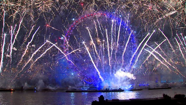 new year's eve london fireworks at the london eye to see in 2020 - multi coloured stock videos & royalty-free footage