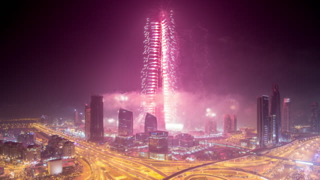 new years fireworks, downtown dubai - knallkörper stock-videos und b-roll-filmmaterial