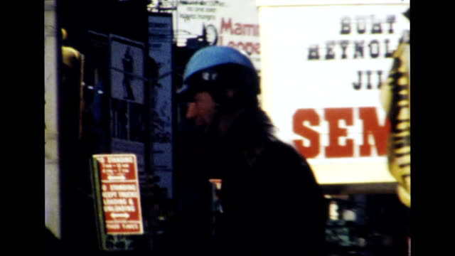 vídeos de stock, filmes e b-roll de new york city 1977 - estreia