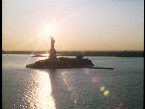 1982 new york city at dusk - 1982 stock videos & royalty-free footage