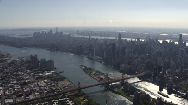 vídeos de stock, filmes e b-roll de new york city daytime aerial view from midtown manhattan - williamsburg new york