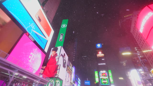 new york city – december 16 2020: first winter snowstorm hits new york city at time square, amidst the covid-19 pandemic during the winter holiday... - digitally generated image stock videos & royalty-free footage