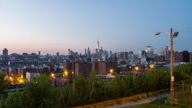 vídeos de stock, filmes e b-roll de new york city from hoboken hieghts - time lapse da noite para o dia