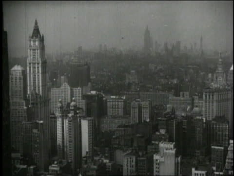vídeos y material grabado en eventos de stock de 1940 montage new york city skyline and buildings / new york, united states - 1940