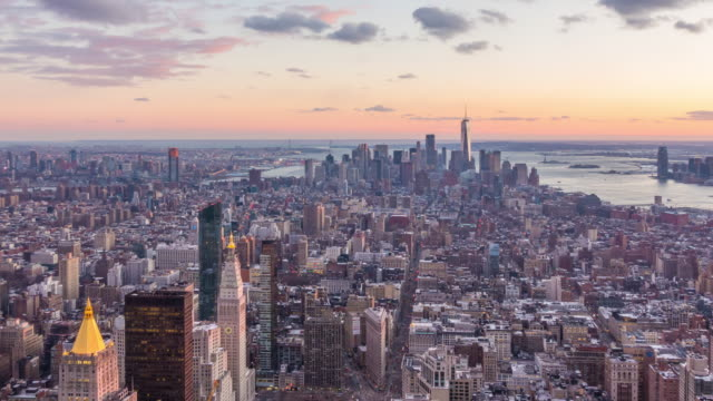 new york city skyline at sunset - new york stato video stock e b–roll