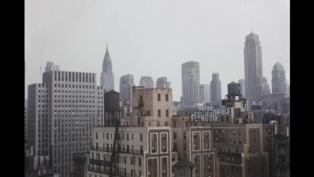 vidéos et rushes de 1954 montage new york city skyline, new york, usa - 1954
