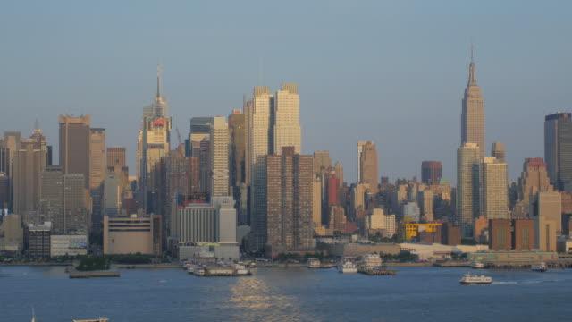 vídeos de stock, filmes e b-roll de horizonte da cidade de nova york - nova jersey