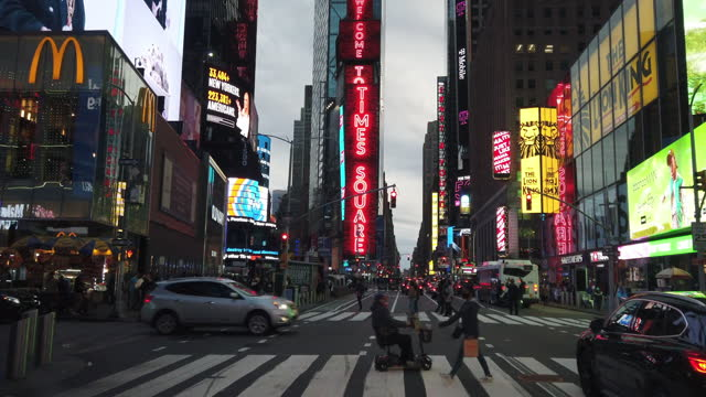 new york city slowly re-opens - welcome sign stock videos & royalty-free footage
