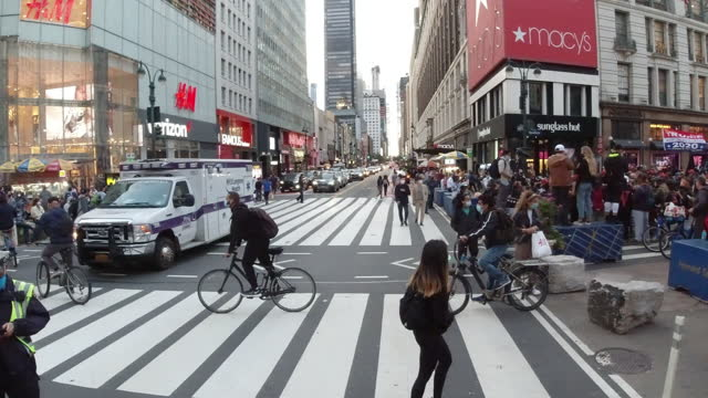 new york city slowly re-opens - manhattan stock videos & royalty-free footage