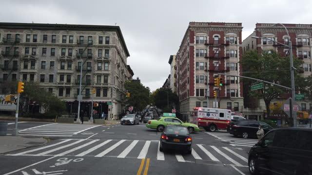new york city slowly re-opens - unfall und katastrophe stock-videos und b-roll-filmmaterial