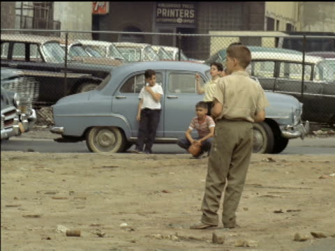 1961 new york city street life - 1961 stock-videos und b-roll-filmmaterial