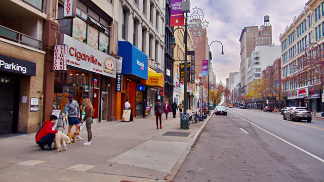 new york city. street. people. - walkable city stock videos & royalty-free footage