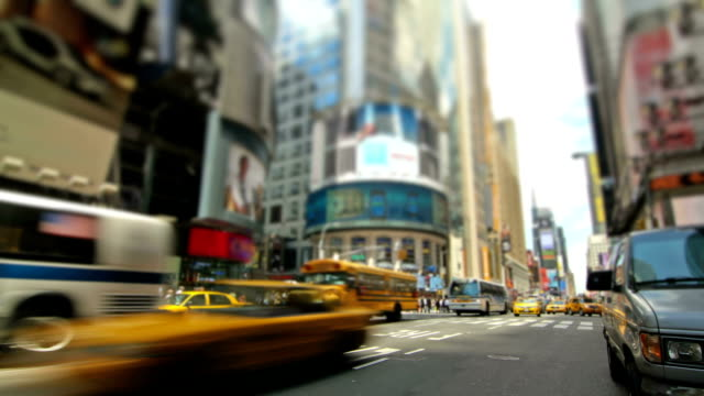 straßen von new york city - fensterfront stock-videos und b-roll-filmmaterial