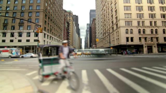 vídeos y material grabado en eventos de stock de calles de la ciudad de nueva york - calle urbana