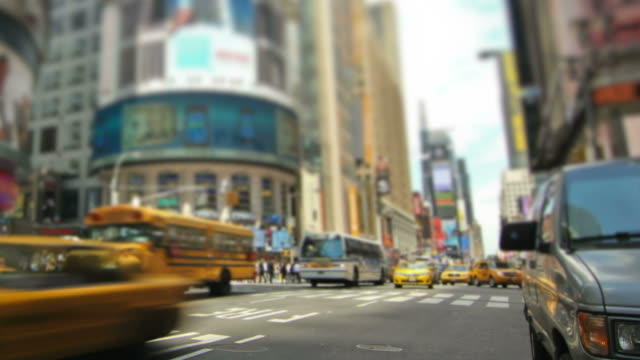 vidéos et rushes de rues de new york de zoom - yellow taxi