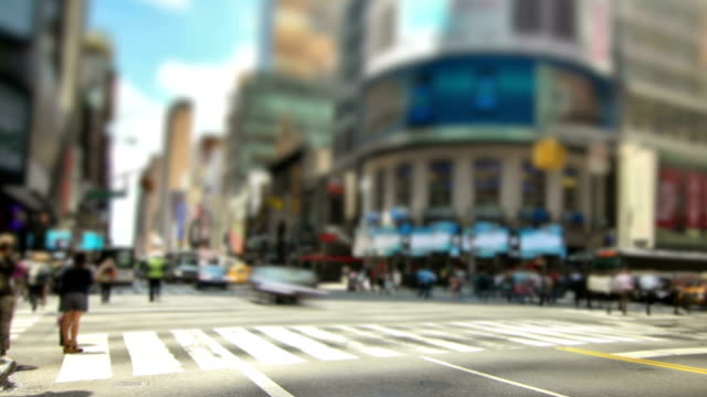 new york city streets zoom - pedestrian crossing stock videos & royalty-free footage