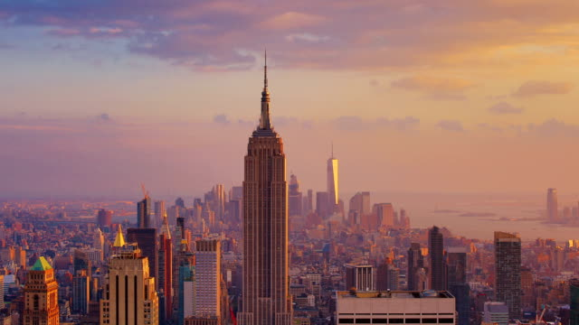 stockvideo's en b-roll-footage met new york city: zonsondergang (dag naar nacht) - skyline