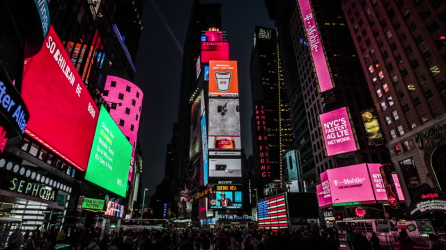 new york city times square bei nacht - laterne stock-videos und b-roll-filmmaterial