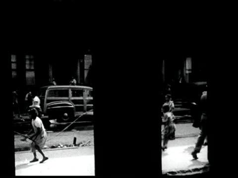 vídeos y material grabado en eventos de stock de new york city urban scenes - cuerda de saltar