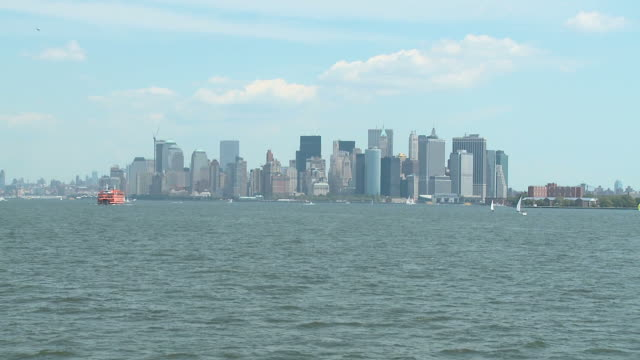 hd: new york city - boat point of view stock videos & royalty-free footage