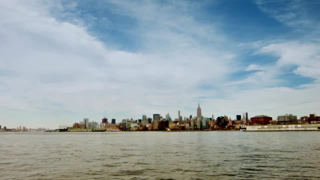 stockvideo's en b-roll-footage met new york city - standbeeld