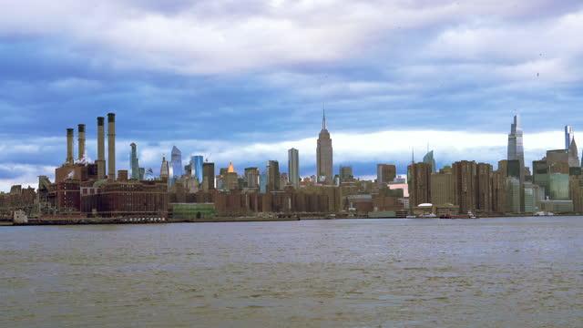 ニューヨーク市 - ワイドショット - nyc 4kストックビデオ - はしけ点の映像素材/bロール
