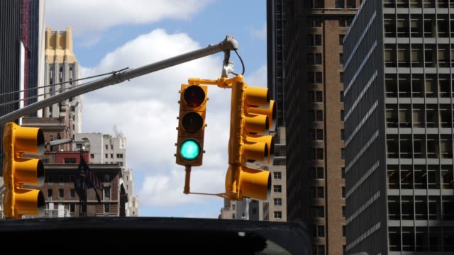 4K: New York City Yellow Traffic Lights Stoplight