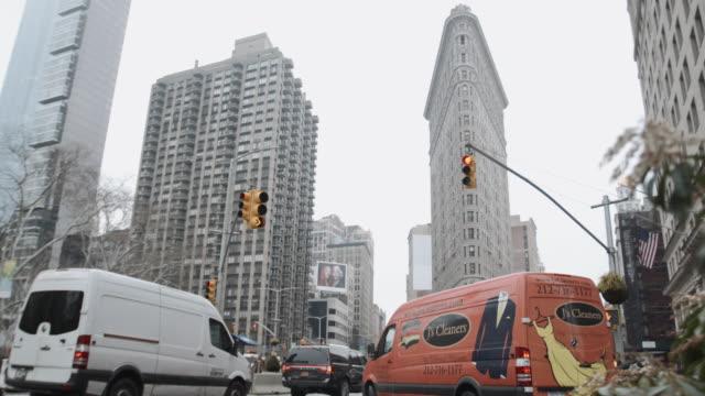 vídeos y material grabado en eventos de stock de new york city's flatiron building on a cloudy afternoon - estilo siglo xx