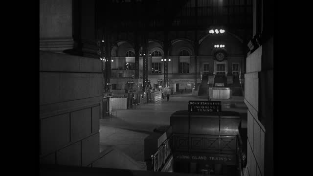new york city's penn station is all but deserted at night. - new york city penn station stock videos & royalty-free footage