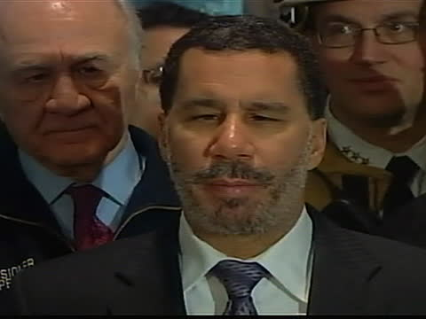 new york governor david paterson comments on the miraculous emergency landing of us airways flight 1549 into the hudson river by pilot chesley... - river hudson stock videos & royalty-free footage