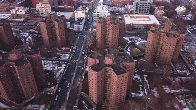 new york housing projects winter - kommunalt bostadsområde bildbanksvideor och videomaterial från bakom kulisserna
