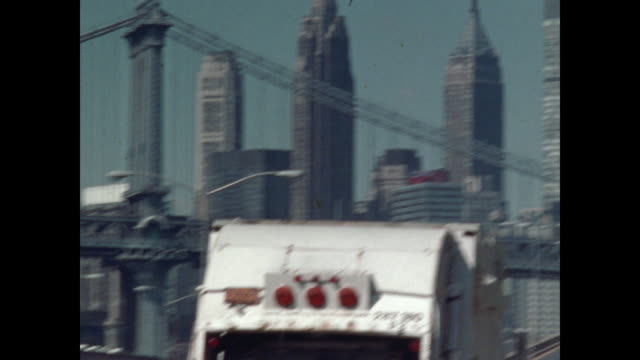 vidéos et rushes de new york in the 1970s - pont de brooklyn