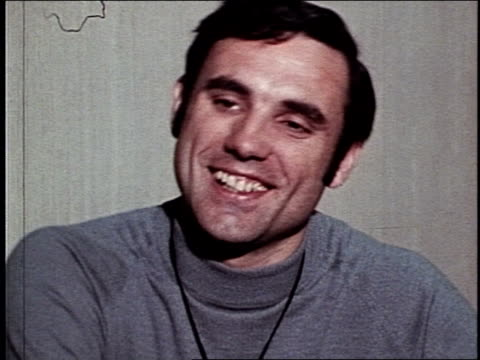 New York Knicks Hall of Famer Dave DeBusschere speaks about the NBA League and how his team is the best Dave DeBusschere Sums Up the Competition on...