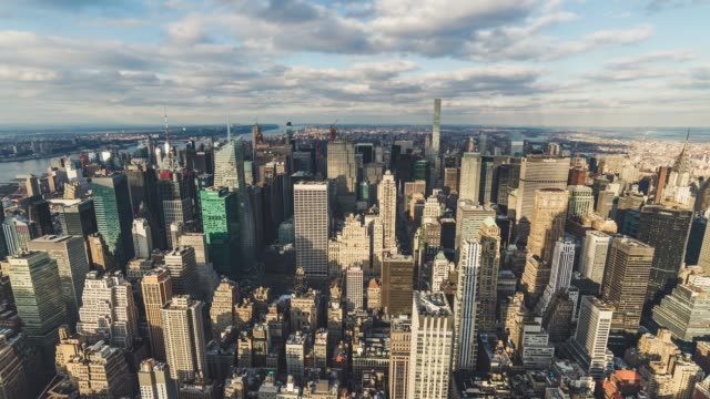 t/l ws ha td new york manhattan skyline - new york stock-videos und b-roll-filmmaterial