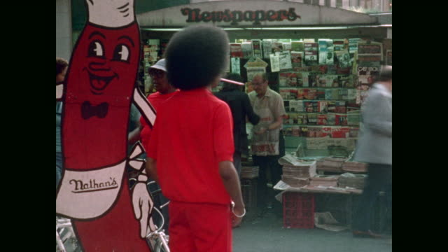 new york newspaper stand - hot dog stock videos & royalty-free footage