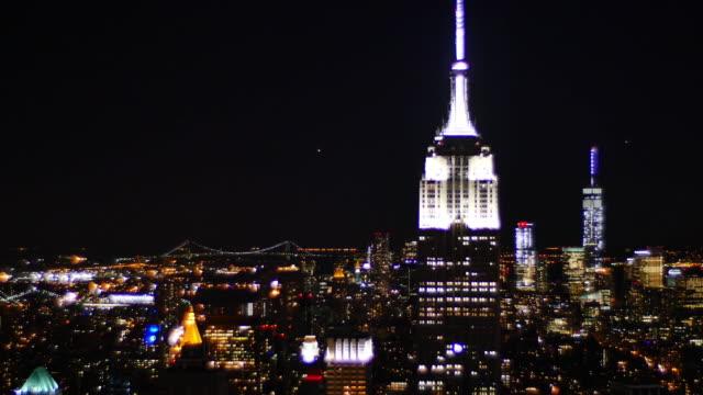 new york night empire state building - tornspira bildbanksvideor och videomaterial från bakom kulisserna