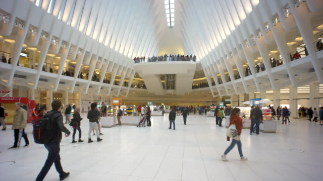 vídeos de stock e filmes b-roll de new york oculus track with shoppers consumers in mall - world trade center manhattan