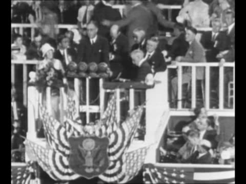 stockvideo's en b-roll-footage met new york politician franklin d roosevelt nominates al smith as the democratic candidate for us president at the 1924 democratic national convention... - al smith