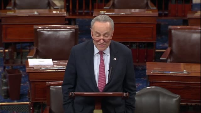 vidéos et rushes de new york senator chuck schumer says one can see the extent of disaster if a court case in which a texas judge found the affordable care act... - lawsuit