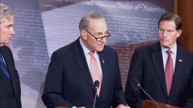 new york senator chuck schumer tells reporters that supreme court nominee judge neil gorsuch was handpicked by a billionaire and then by rightwing... - politik stock-videos und b-roll-filmmaterial
