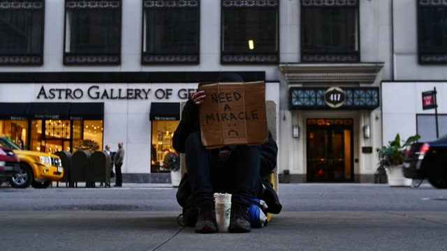 new york slowmotion people - homelessness stock videos & royalty-free footage