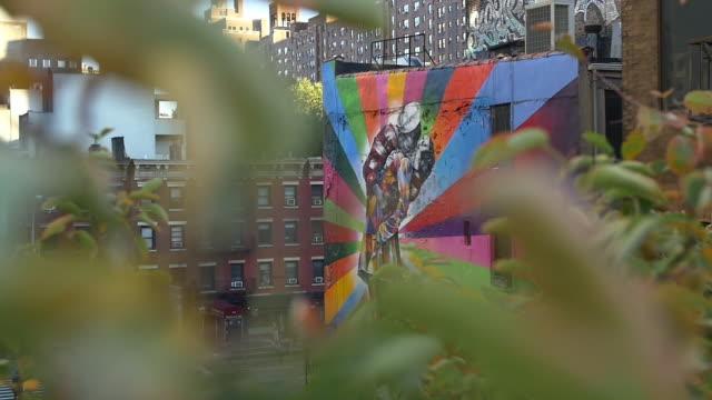 new york slowmotion streetart - 壁画点の映像素材/bロール